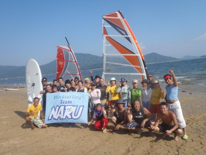 広島鳴川海岸で活動するウインドサーフィンチーム
